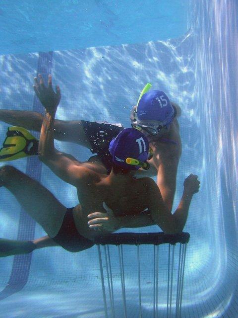 Underwater srum