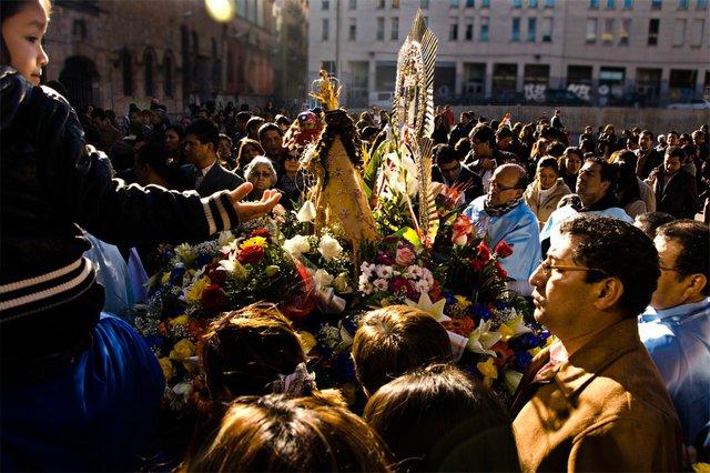 Procession of La Virgin de la Puerta. Photo by Isabella Humphrey.jpg