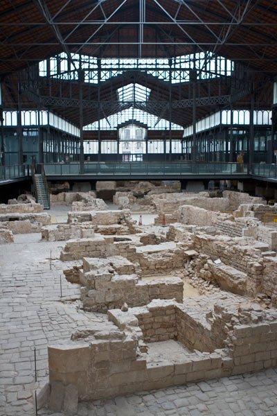 Born market ruins