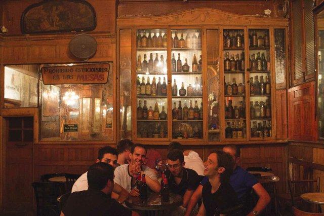 Inside Bar Marsella