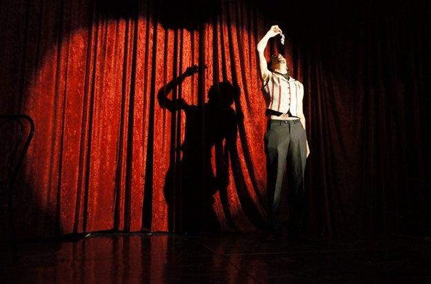 Prostíbulo Poético at Teatreneu