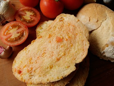 Bread with tomato home