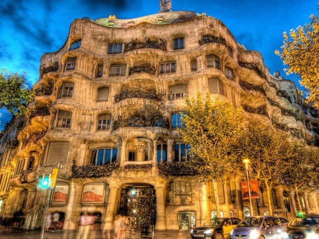 Casa-Mila-La-Pedrera-Barcelona-Catalonia-Spain-Wallpaper.jpg