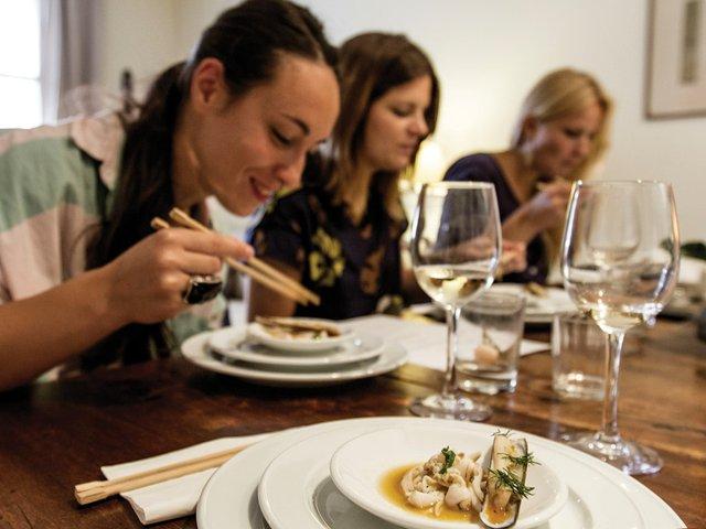 social-dining-3.jpg