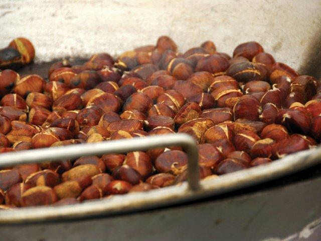 roasting-chestnuts.jpg