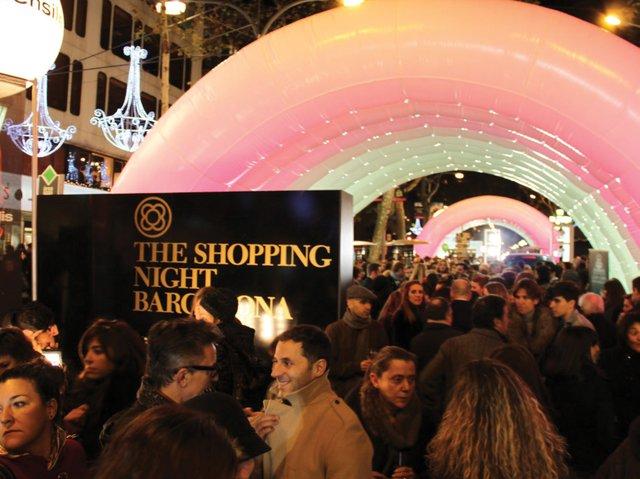 Shopping-Night-BCN.jpg