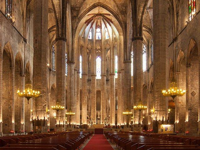 santa-maria-de-mar-barcelona-slider-2.jpg