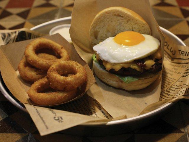 T-burger.jpg