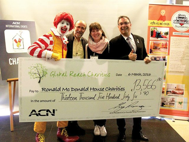 Ronald-Pere-Gisela-Victor-Donation-Check-2016.jpg