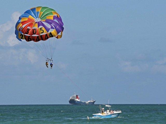 Watersports-parasailing.jpg
