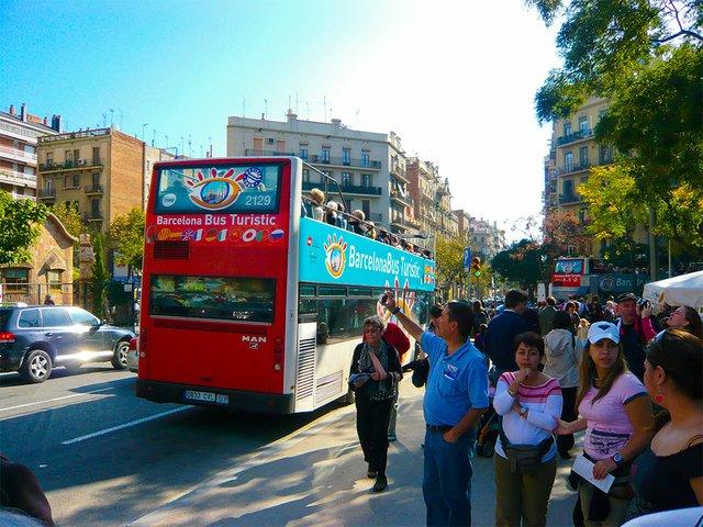 touristbus.jpg