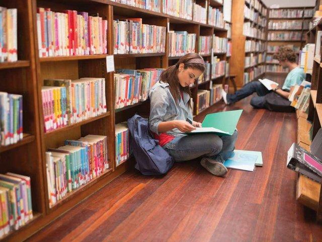 teenagers-in-library.jpg