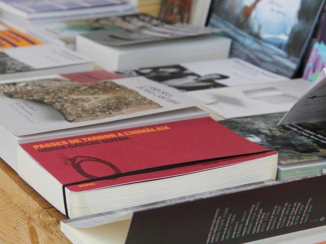 Book-weekexp.jpg