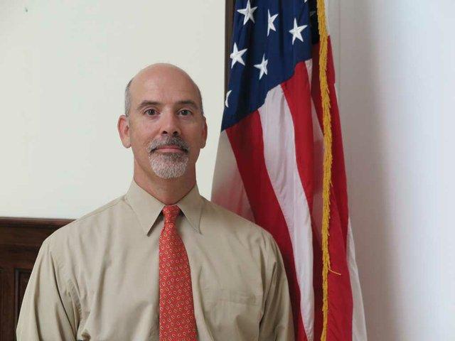 US-Consul-Ramon-Menendez-Carreira.jpg