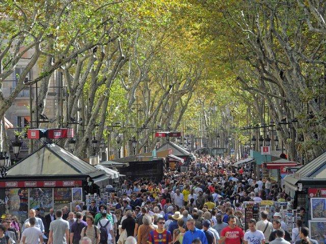 ramblas_street_in_barcelona.jpg