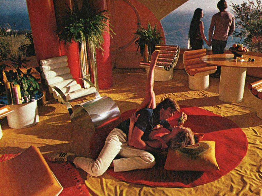 Playboy-Architecture-Bubble-House_April-1972_002.jpg