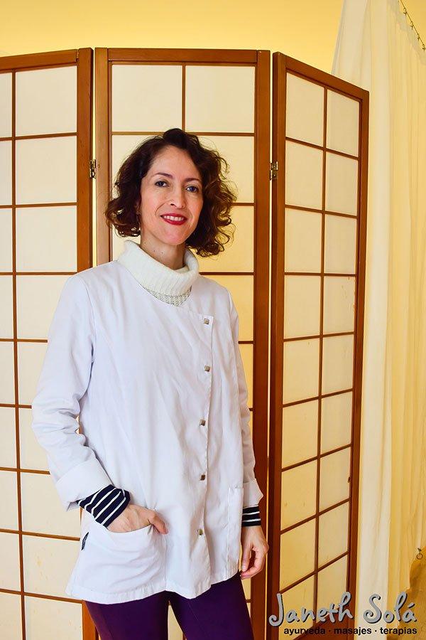 Janeth Solá ayurveda masajes terapias.jpg