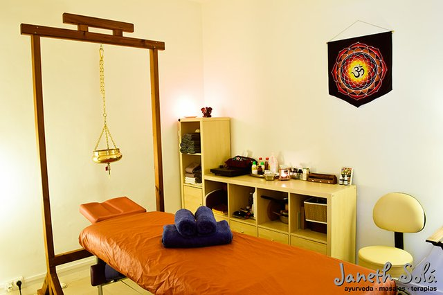 Janeth Solá ayurveda masajes terapias cabina.jpg