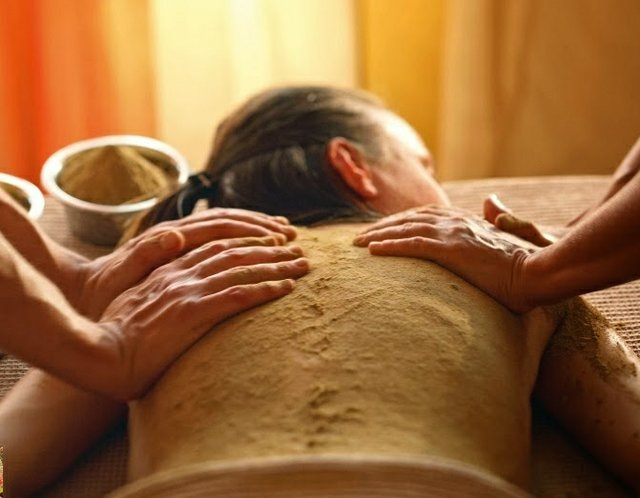 Janeth Solá ayurveda masajes terapias udwarthanam.jpg