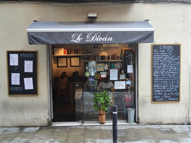 Le-Divan-9.jpg
