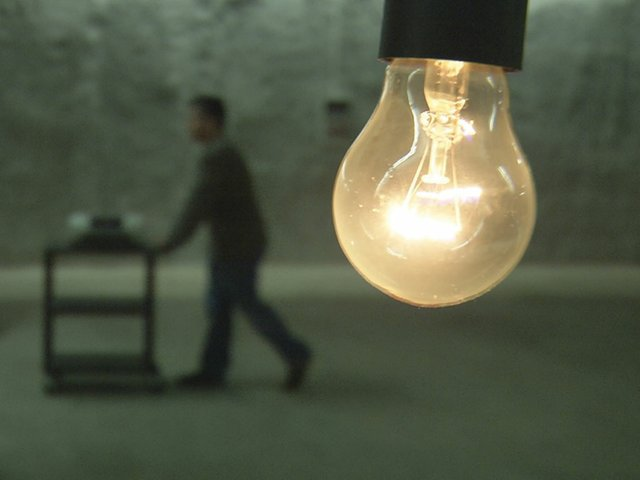 Cosima-modern-bulb.jpg