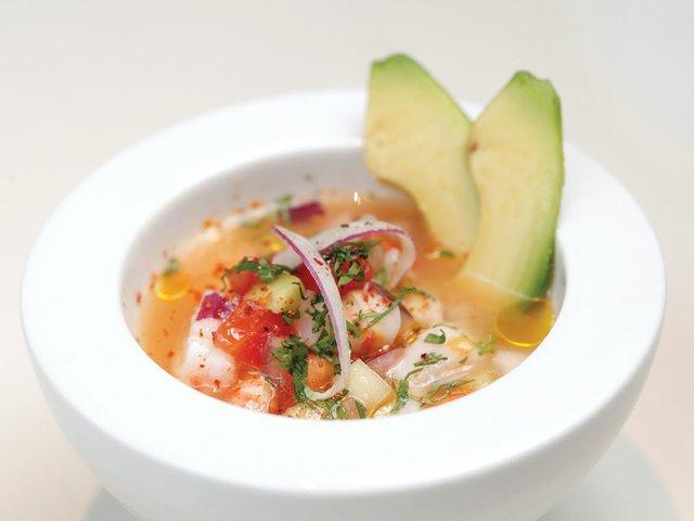Ceviche-Baja-California-con-polvo-de-chile,-langostinos-y-mango.jpg