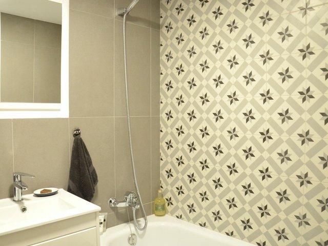 Place-of-my-own-January-2017-bathroom.jpg