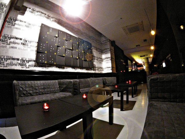 Dine-in-dark-2.jpg