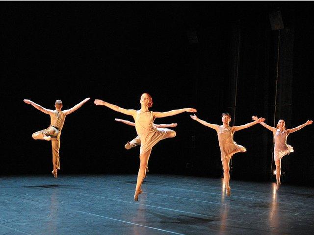 CAR_0342_-La-Stravaganza-por-el-Ballet-Preljocaj_JC-Carbonne.jpg