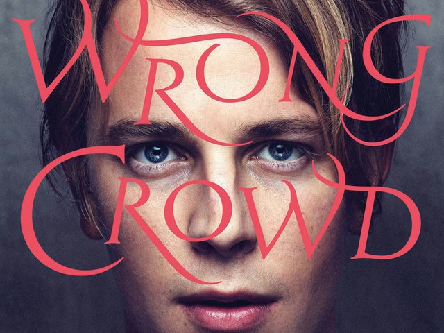 tomodell-packshot-album-wrongcrowd-1000x1000.jpg