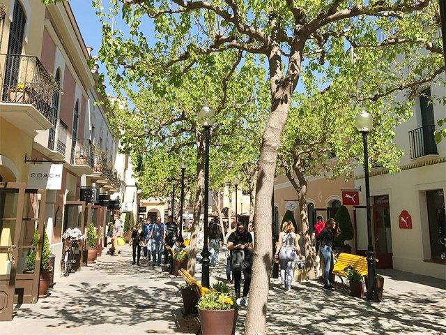 Spring-at-La-Roca-Village-2.jpg