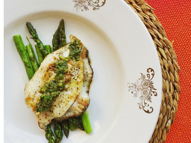 recipe-pan-fried-turbot-and-asparagus-with-salsa-verde.jpg