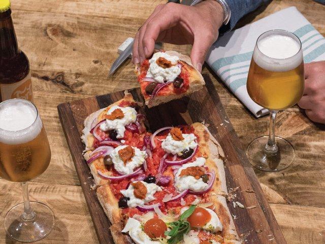 Quick-Bites-La-Balmesina-pizza.jpg