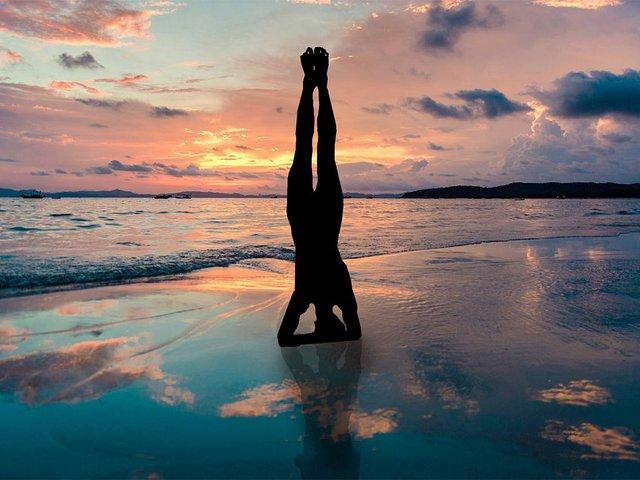 yoga-challenge-poses-headstand1.jpg
