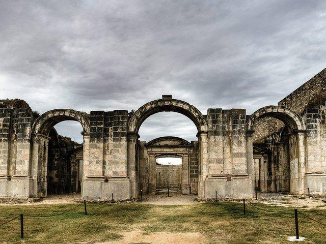 Castell_de_Sant_Ferran_de_Figueres_-_Detall_Església.jpg