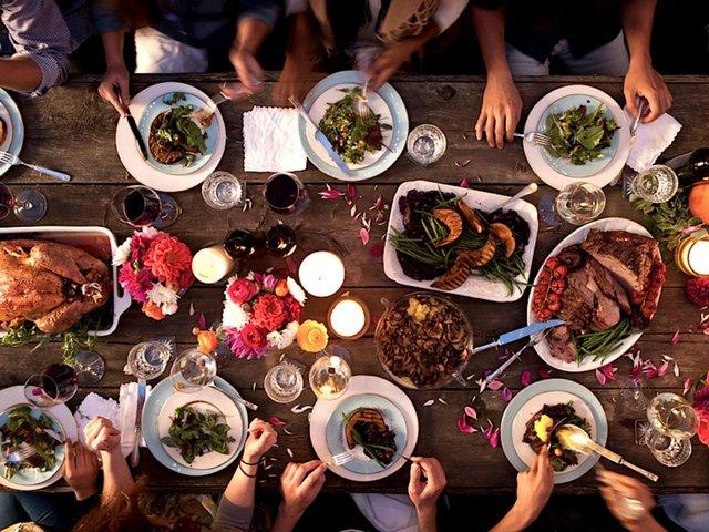 home-2015-11-thanksgiving-dinner-stocksy-main (1).jpg