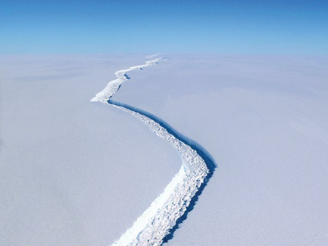 after-the-end-of-the-world-antarctica-cracking-ice-shelf.jpg