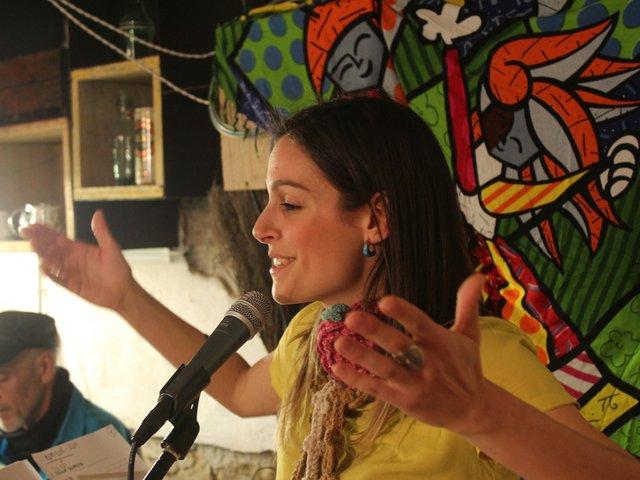 253_Samba_Singing.jpg