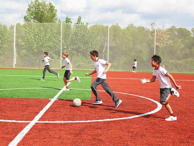 gresol-international-american-school-football-rszd.jpg