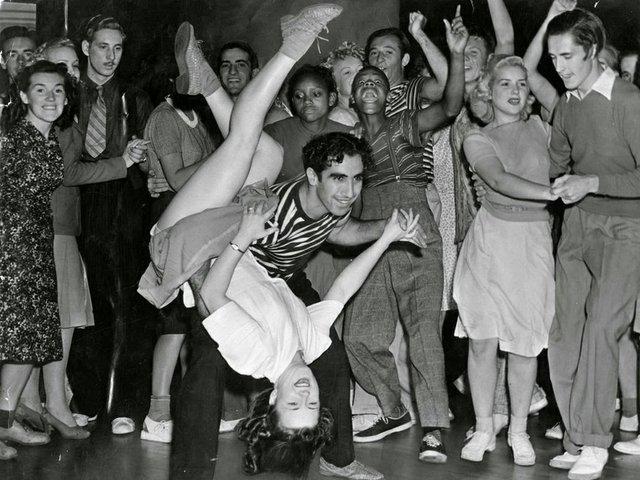 Couple-Swing-Dancing-ca.-1940s.jpg