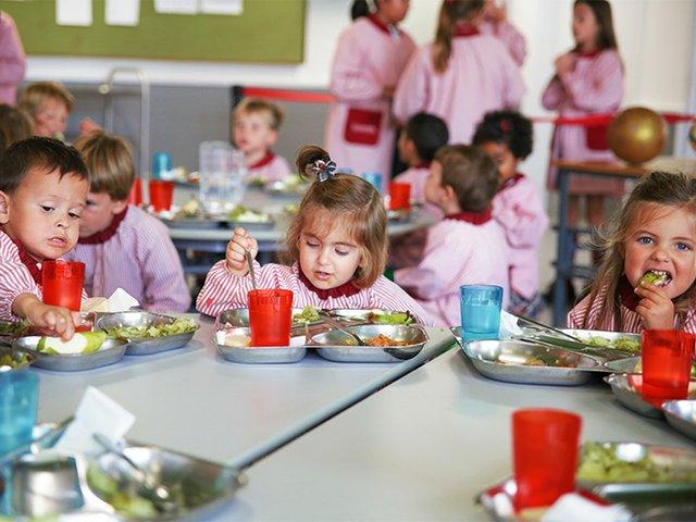 gresol-international-american-school-dining-hour-rszd.jpg