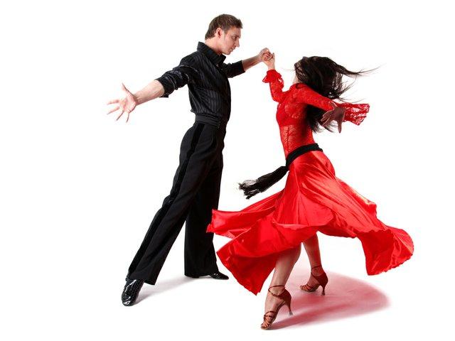 poblenou balla salsa.jpg