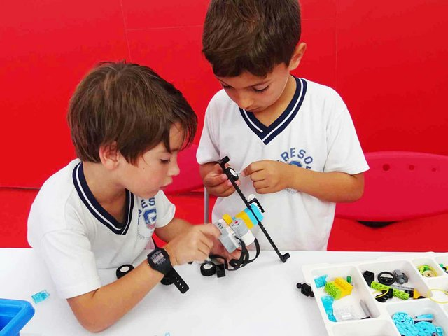 summer-camp-workshops-robotics-rszd.jpg
