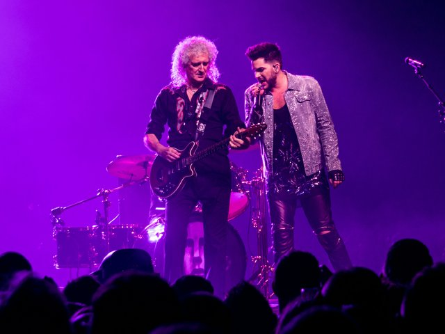 Queen_And_Adam_Lambert_-_The_O2_-_Tuesday_12th_December_2017_QueenO2121217-40_(25093771707).jpg