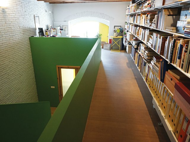 hall_window_books.jpg