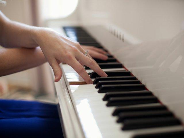 language-blog-piano.jpg