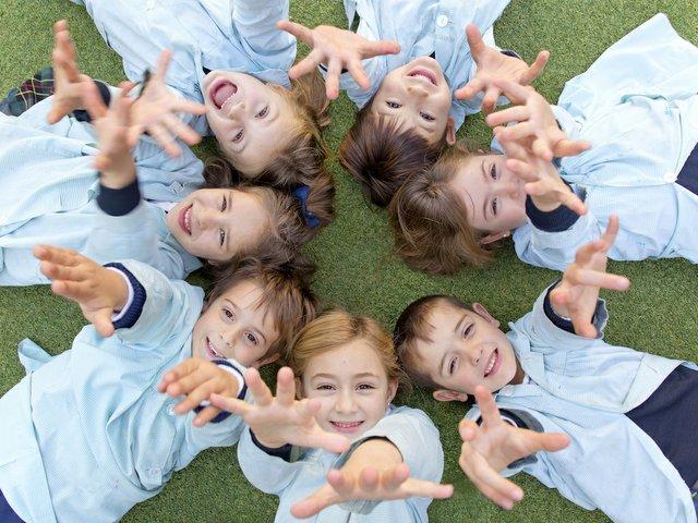 Highlands school children on grass.jpg