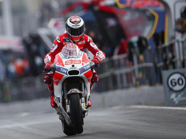 MotoGPLorenzo-Practice-MotoGP-2017-Catalunya.jpg