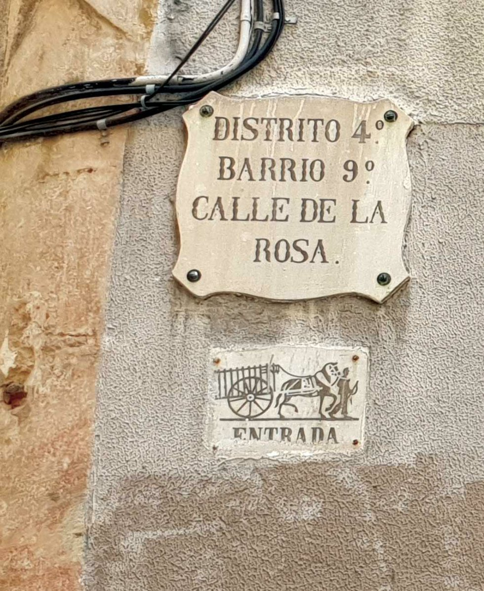 Entrada sign in Barcelona