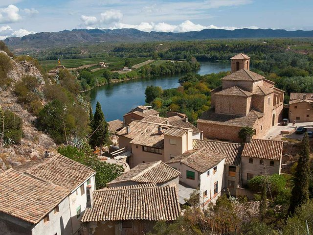 Miravet and the Ebre river from Castell de Miravet
